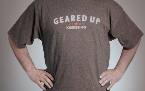 Kississing Souvenir T-Shirt Front